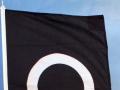 Silketrykket flagg i en farge; sort