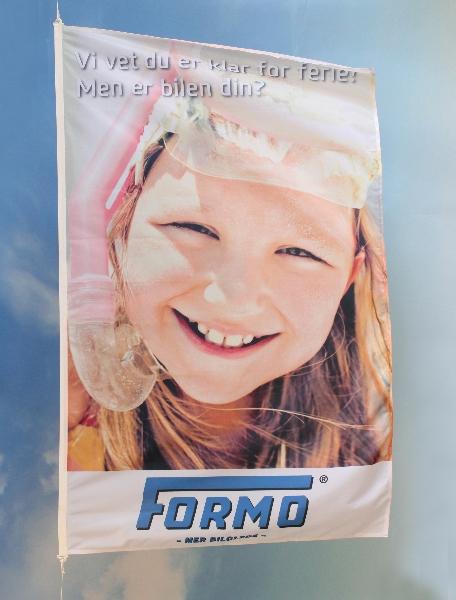 Digitaltrykket flagg med fargebilde i fullfarge CMYK