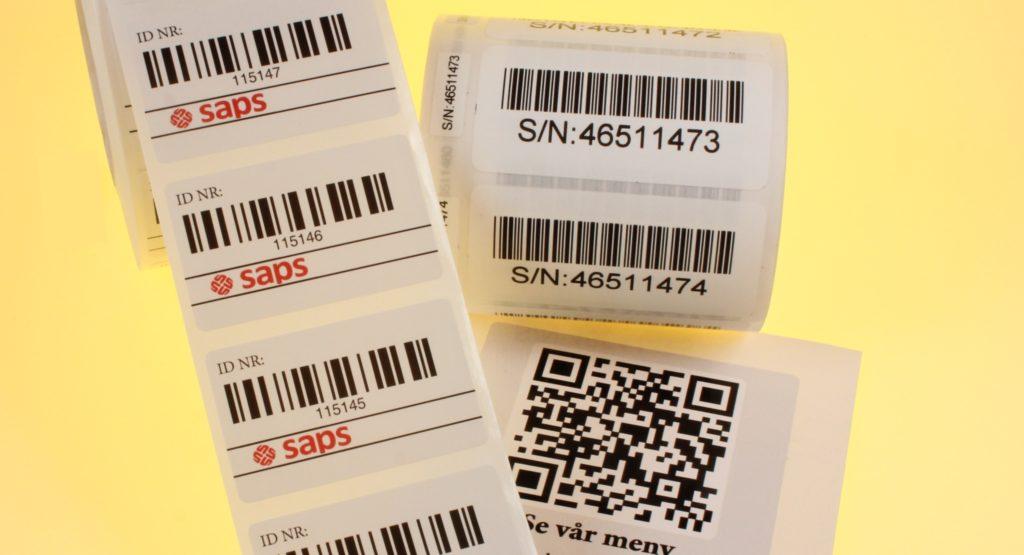 etiketter med strekkkoder eller QR koder